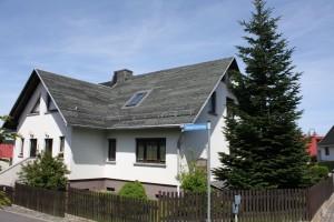 Bashira's Home mit alten Dach